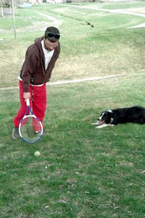 Piper and Dad play tennis